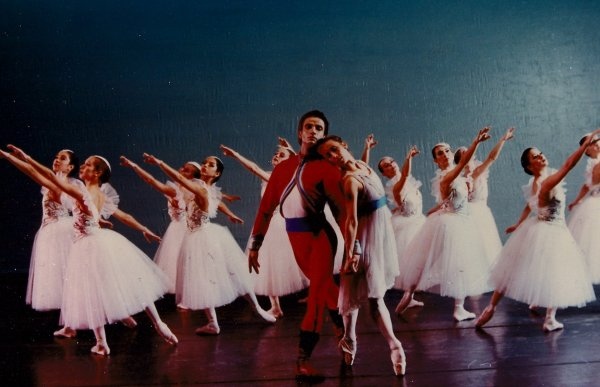 Nutcracker with Medhi Bahiri and Ballet de Monterrey